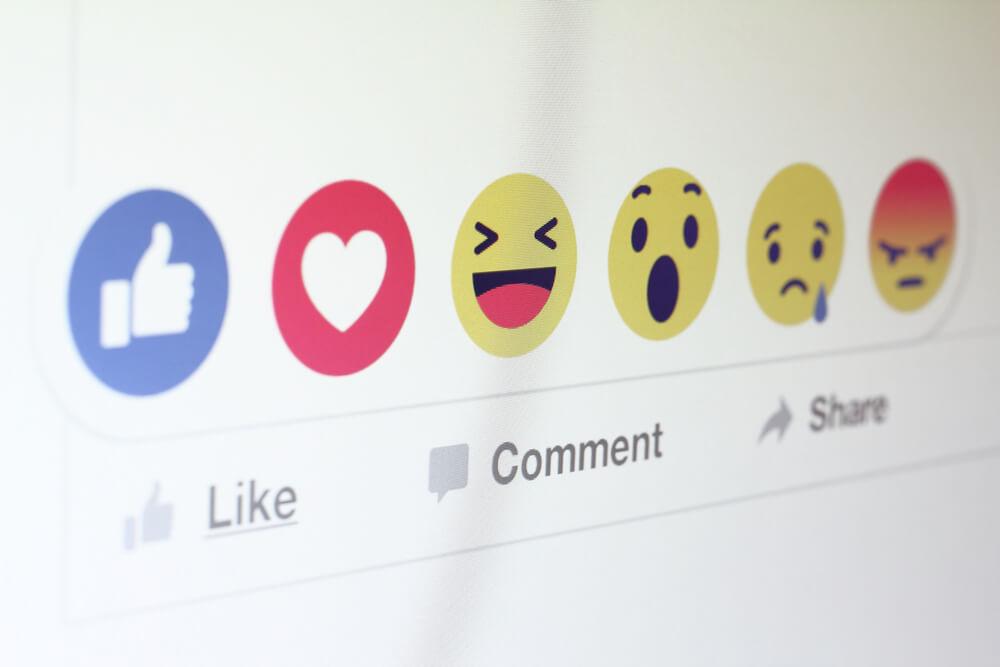 czy reakcje na facebooku są bezpieczne